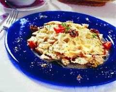 Фарфалле '4 сыра' с грецкими орехами (Итальянская кухня).