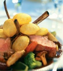Баранина на косточке с воздушным картофелем (Английская кухня).