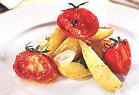 Салат из запеченных томатов и картофеля