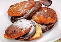 Холодные сырники с шоколадной помадкой.